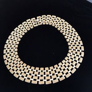 Jewelry - Stunning two-tone gold-plated collar